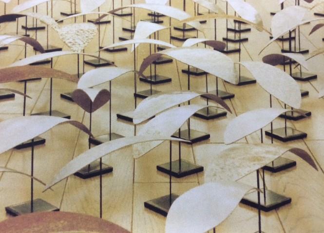 小西 郁 /《樹騒》2012年 二紀展彫刻部奨励賞 / 知足 美加子 准教授